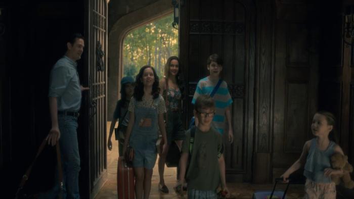 معرفی سریال The Haunting of Bly Manor