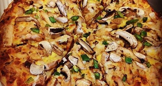 طرز تهیه پیتزا مخصوص آلفردو رستورانی با مرغ
