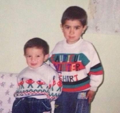 عکس کودکی فرشاد احمدزاده و برادرش