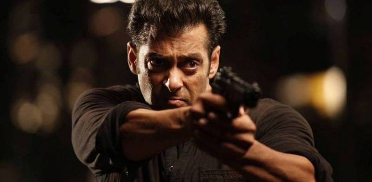 Salman-Khan-Nude-1024x500-750x367