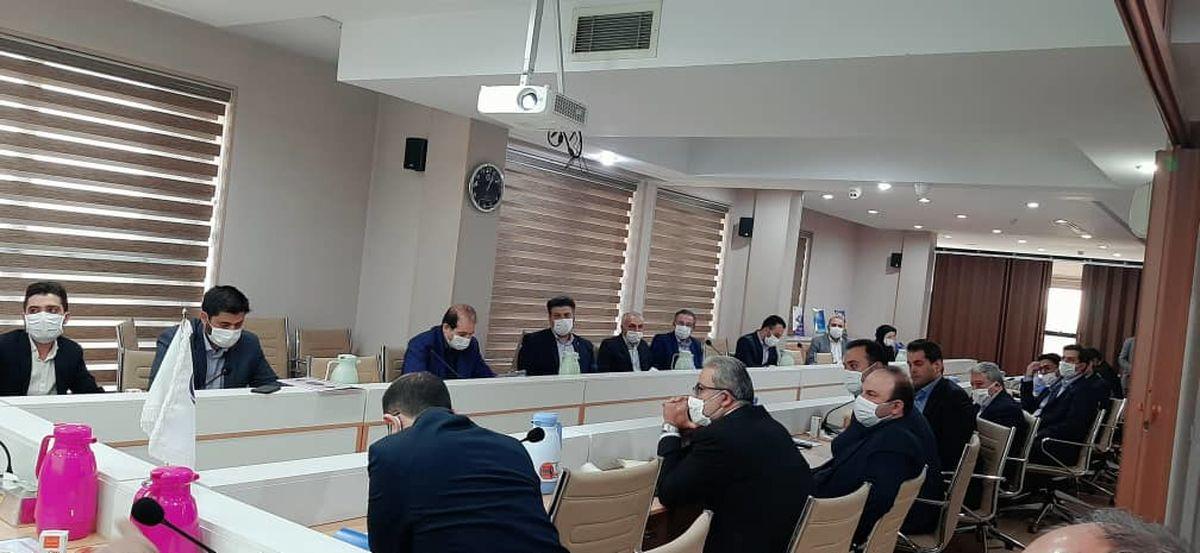 نشست شورای معاونان و مدیران بیمه آرمان برگزار شد