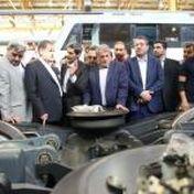 بازدید معاون اول رییس جمهور و وزیر صمت از کارخانه واگنسازی تهران