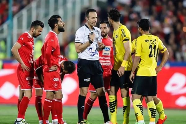 تصویر باورنکردنی از بازی لغو شده پرسپولیس-سپاهان