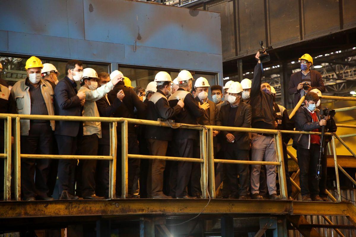 بازدید وزیر صمت از کارگاه تولید ریل شرکت ذوب آهن اصفهان