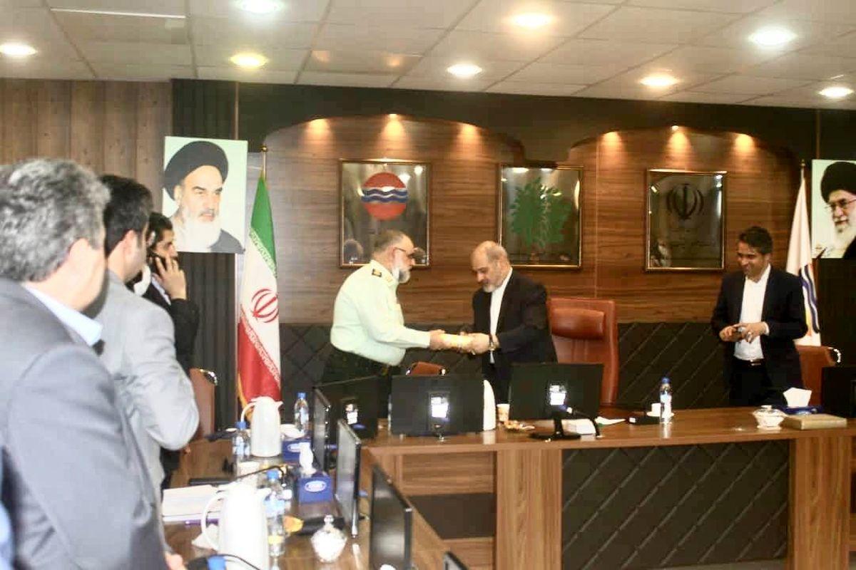 فرمانده انتظامی استان هرمزگان از مدیرعامل سازمان منطقه آزاد قشم تقدیر کرد