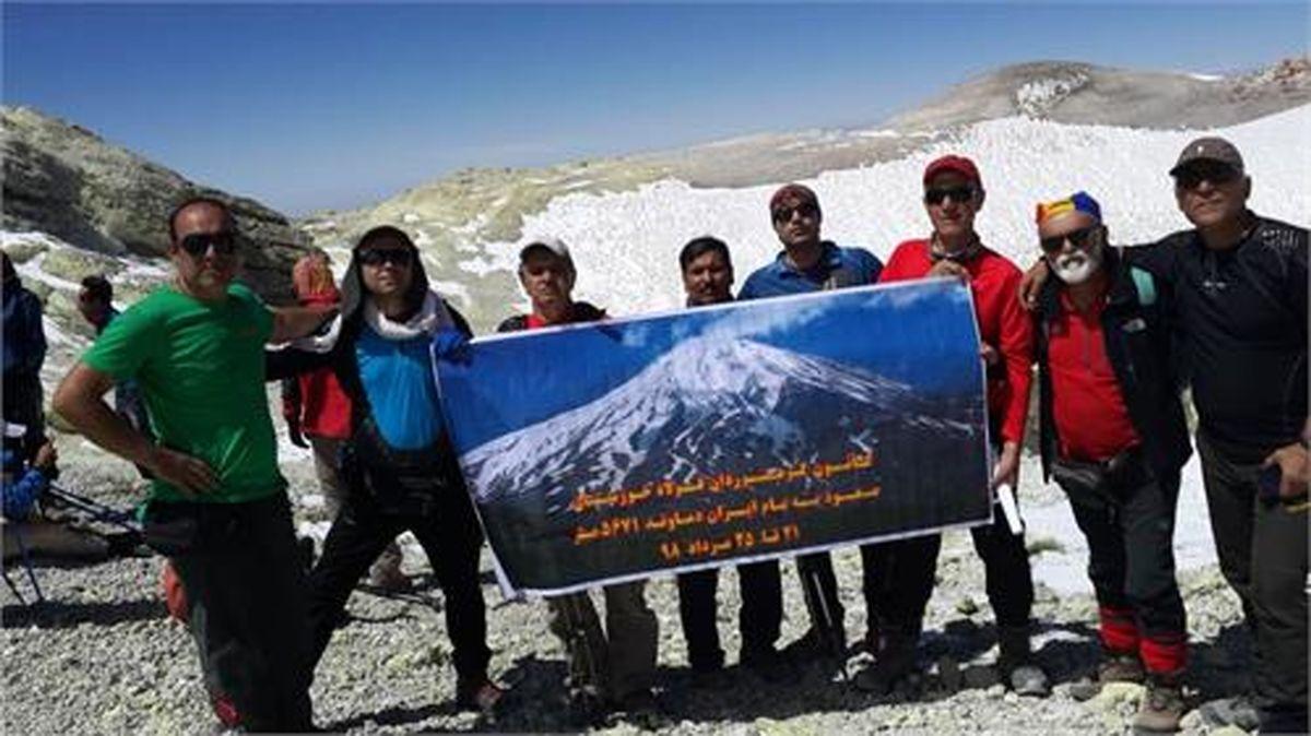 فولادمردان قله دماوند را فتح کردند