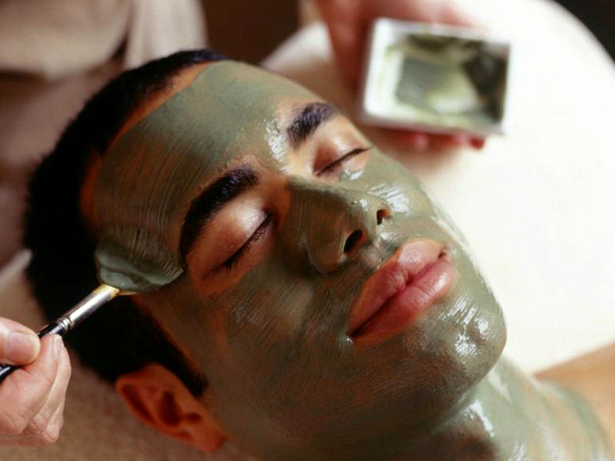 آقایان برای رفع زمختی صورتشان از این ماسک فوق العاده استفاده کنند
