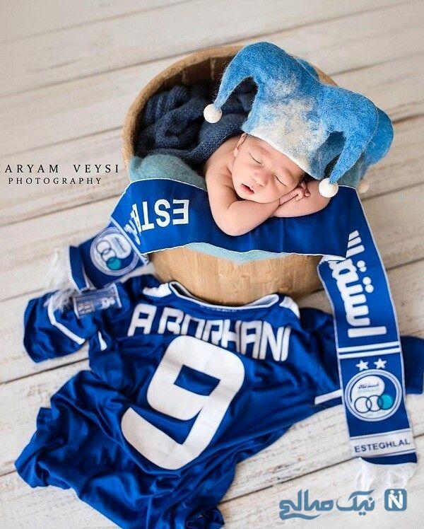 پسر تازه متولد شده مربی فوتبال