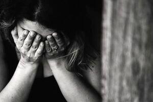 تجاوز بی رحمانه چند مرد به دختران دانش آموز در مدرسه