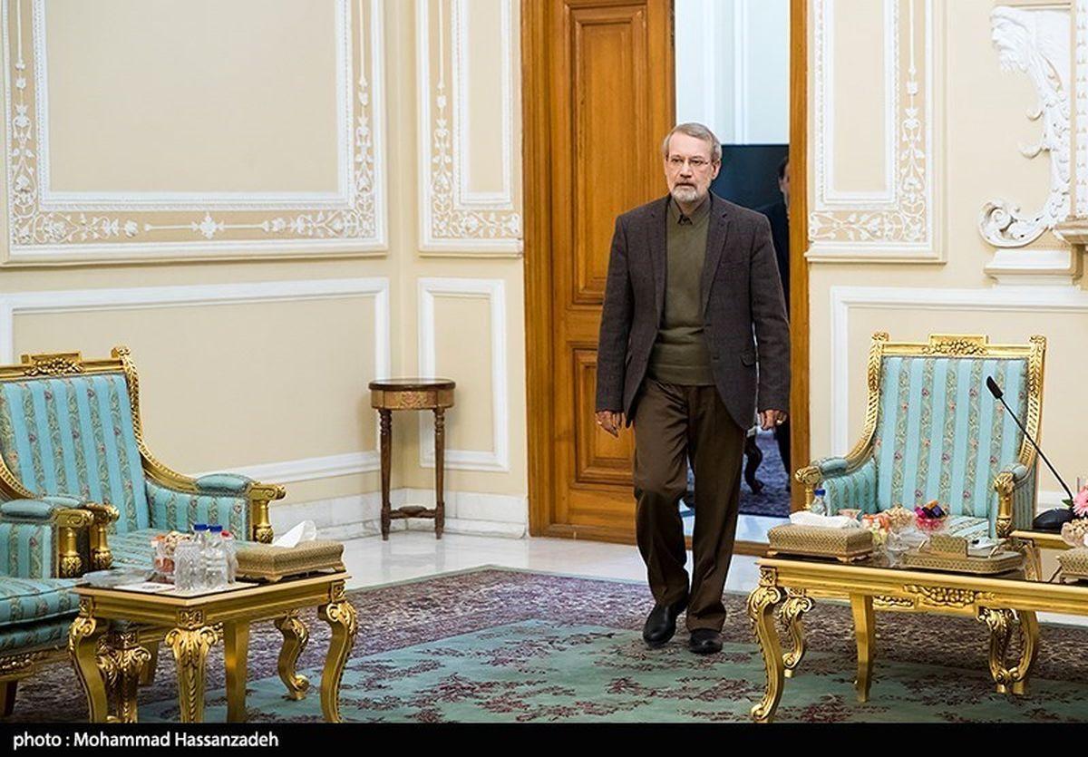 رئیس مجلس از قرنطینه خارج شد +تصاویر