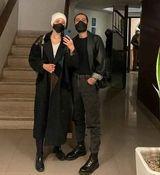 سلفی عاشقانه نوید محمدزاده و همسرش + عکس