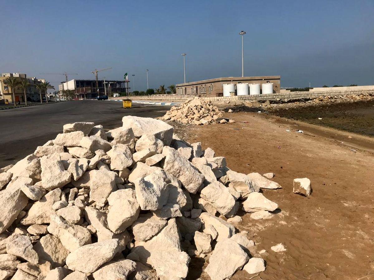 آغاز عملیات اجرای پیاده راه سازی و موج شکن سینما دریا در روستای هلر