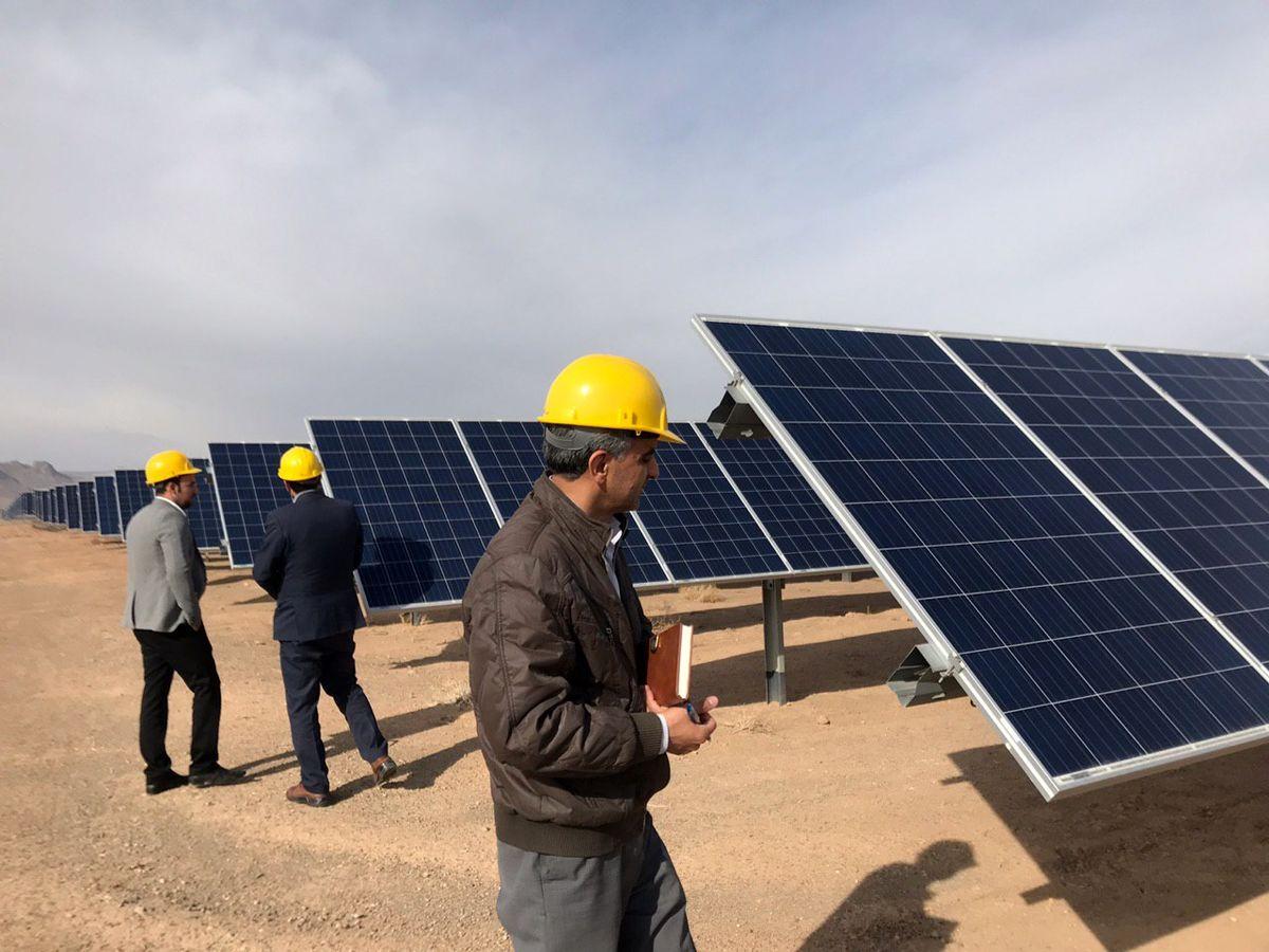 مجریان پروژههای آبی و خورشیدی کشور زیر چتر بیمهای بیمه حکمت قرار گرفتند