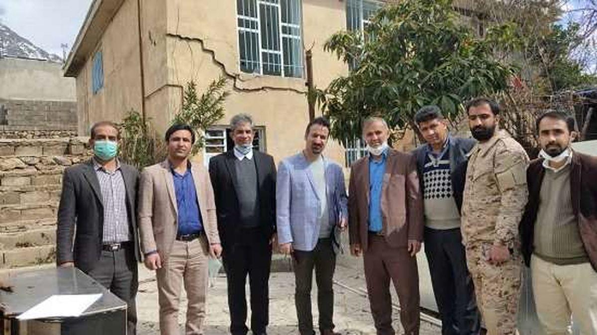 """بازدید مدیر بیمه های آتش سوزی بیمه """"ما"""" از مناطق زلزله زده شهرستان سی سخت"""