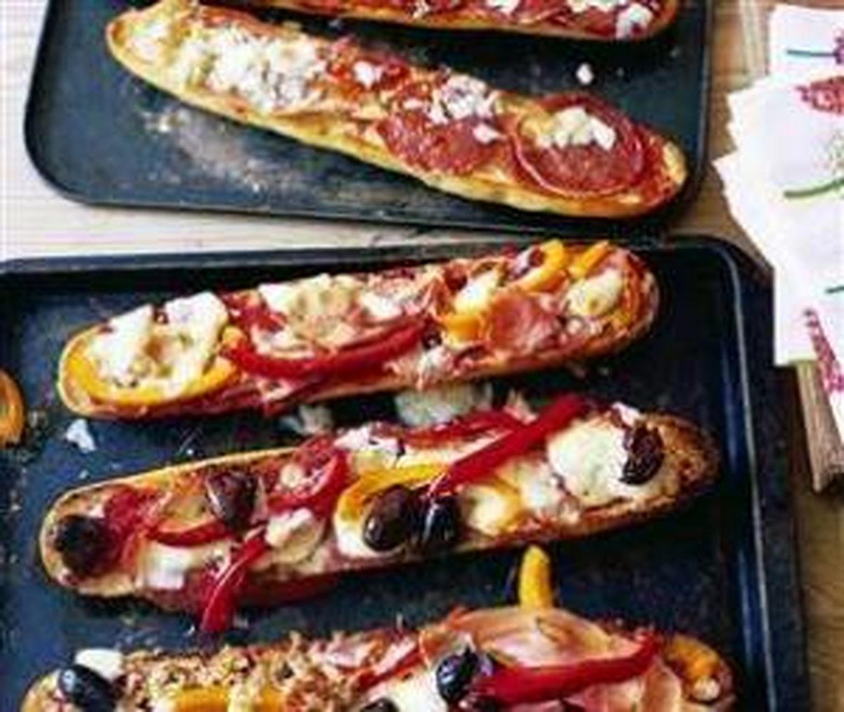 """روش پخت ساده و آسان """"پیتزا با نان باگت"""""""