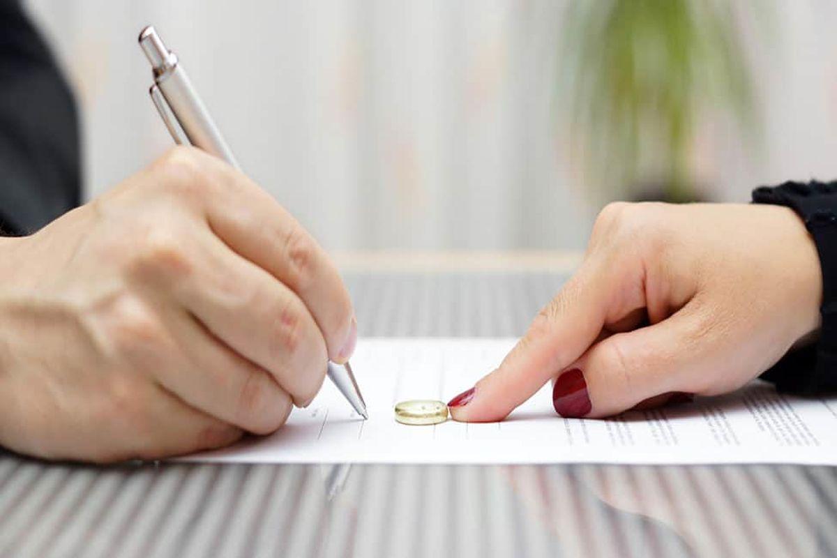 شرایط طلاق غیابی برای زن و مرد چیست؟