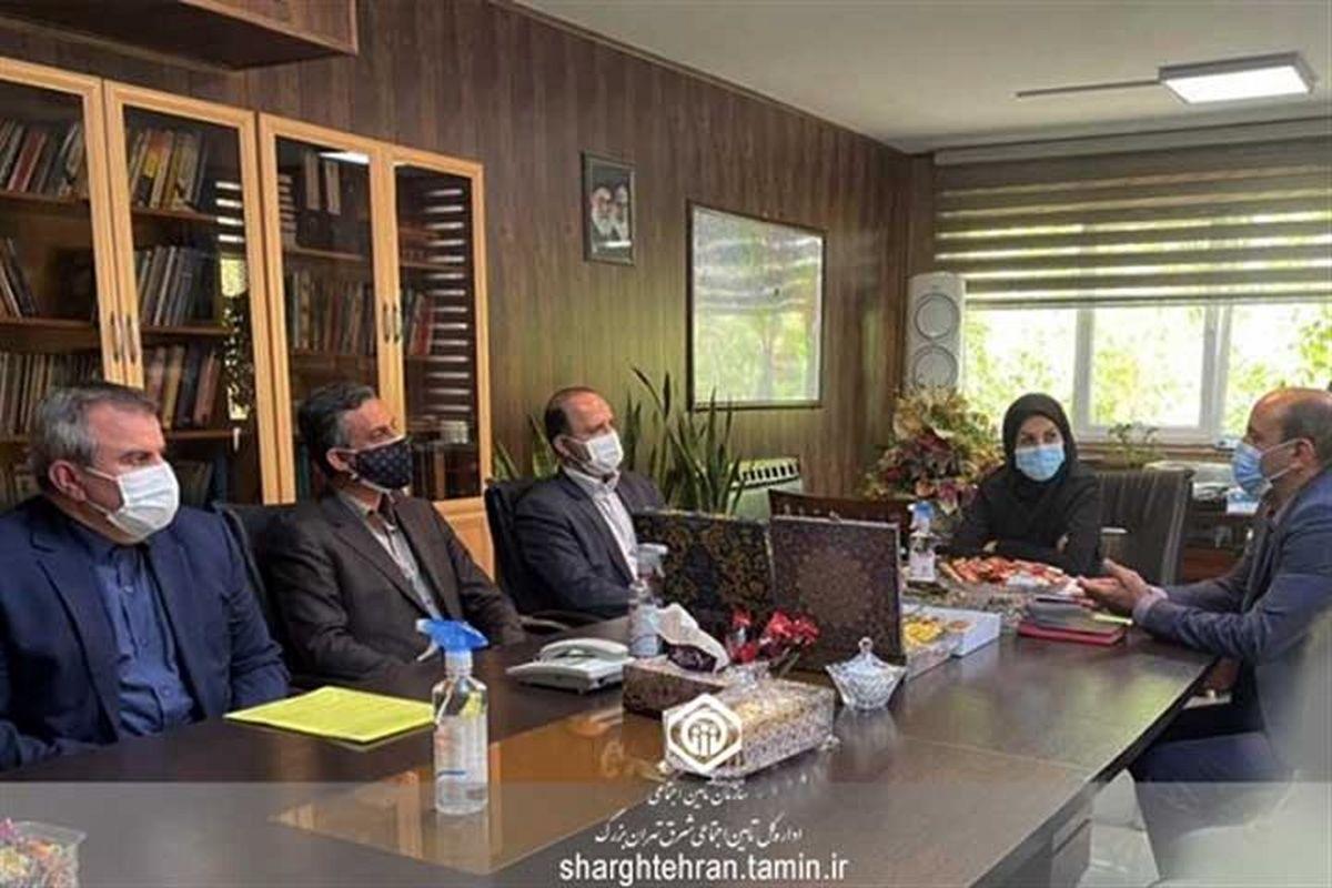بازدید مدیرکل امور بیمه شدگان تامین اجتماعی از شعبه 27 تهران