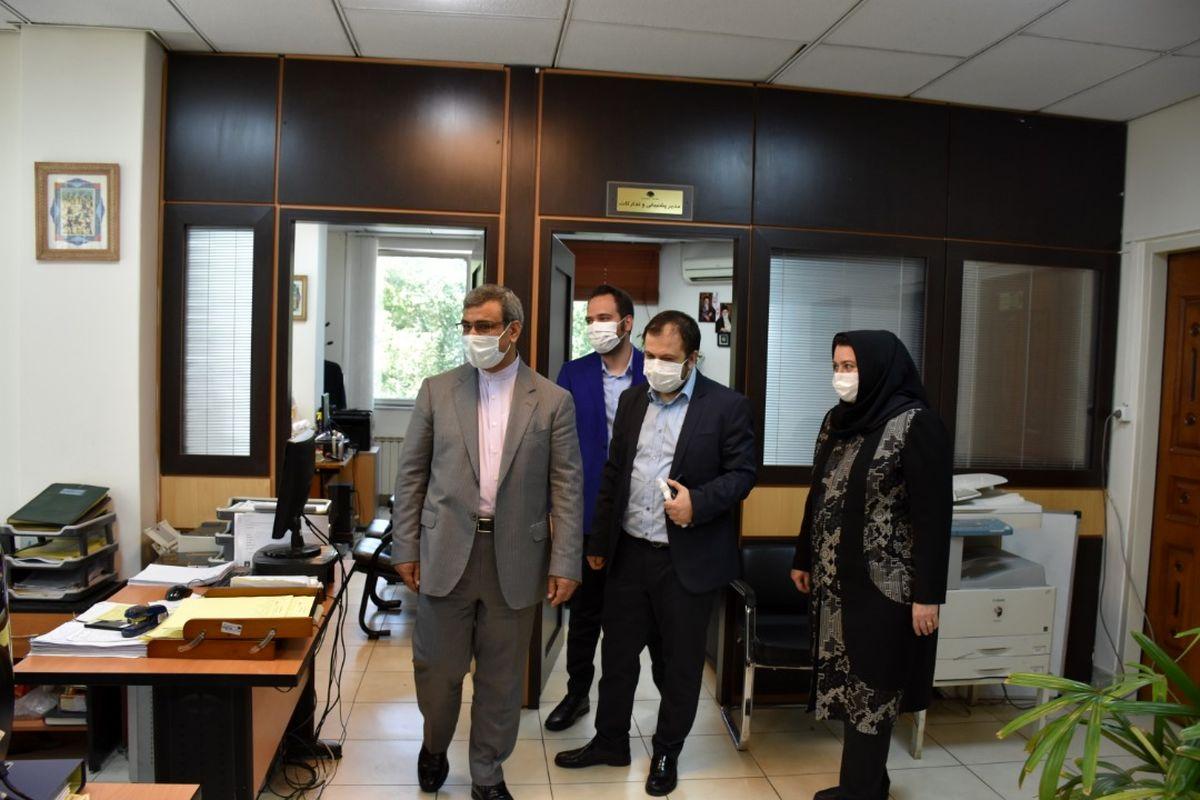 بازدید سرزده دکتر غلامحسین مظفری مدیرعامل سازمان منطقه آزاد کیش از شرکت هواپیمایی کیش