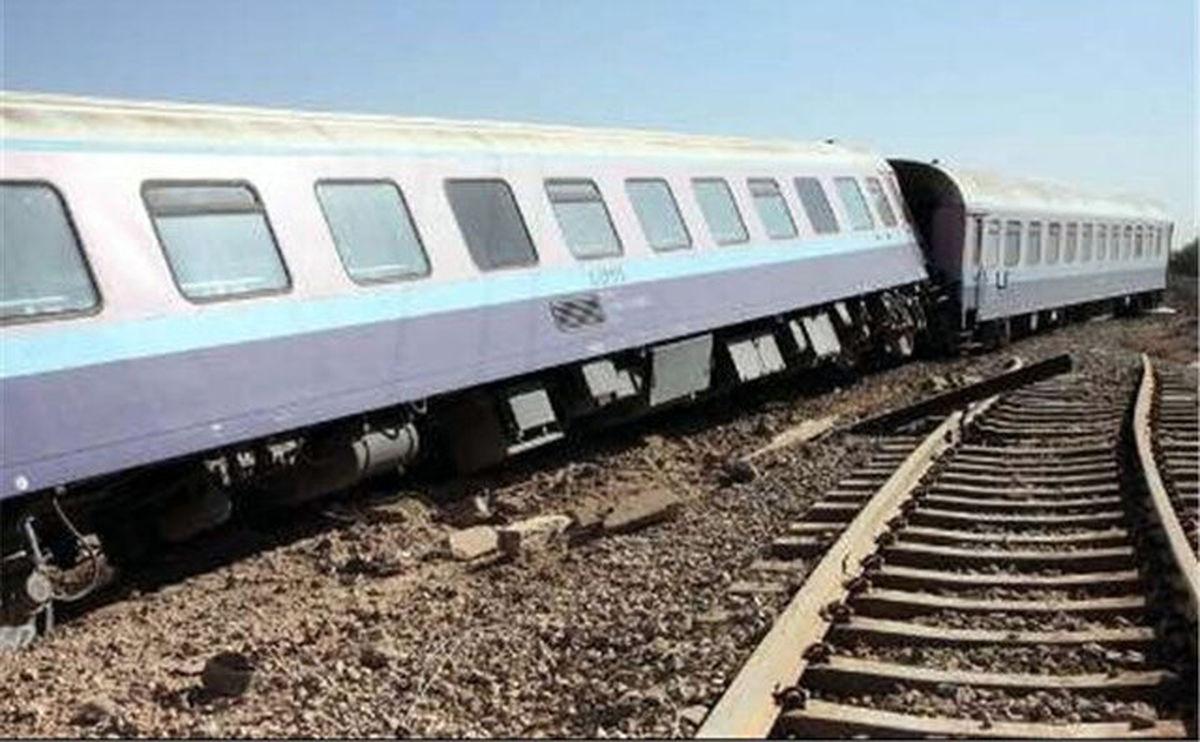 قطار بندرعباس - تهران از ریل خارج شد