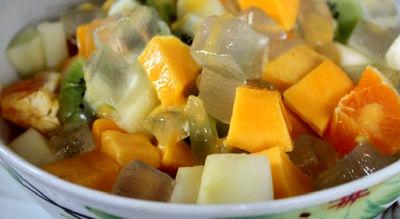 طرز تهیه غذای رژیمی سالاد میوه و آلوئه ورا