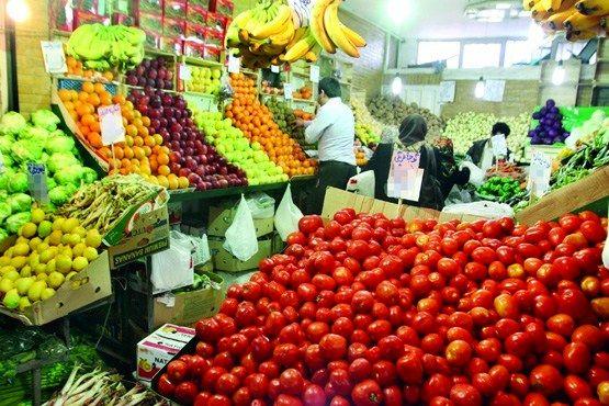 آخرین تحولات بازار میوه و صیفی/ موز ارزان شد