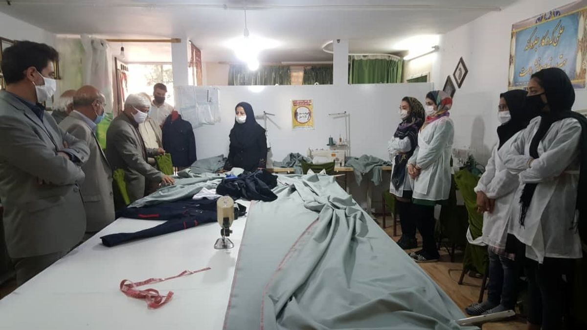 3000 دست لباس کار صنعتی تحویل «معین اقتصادی» منطقه 5 استان شد