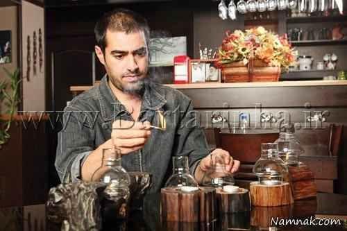عکس شهاب حسینی در کافه اش