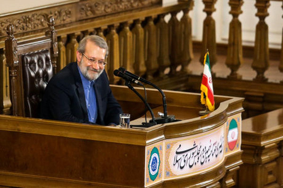 آغاز نشست خبری «لاریجانی» بهمناسبت روز مجلس