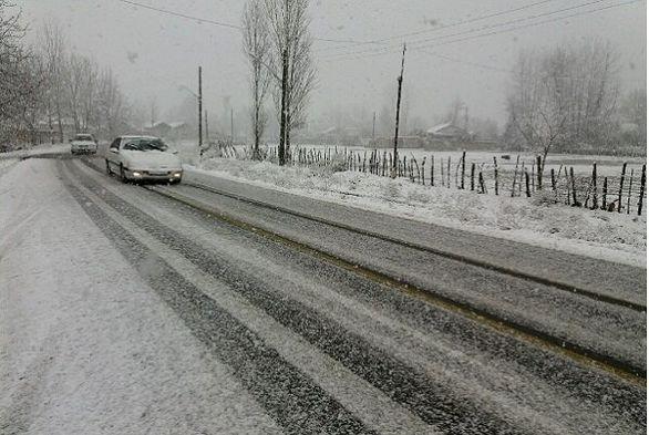 بارش برف در گیلان به یک متر رسید