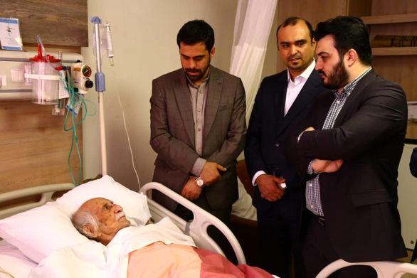 عیادت رئیس هیات مدیره و مدیرعامل بیمه سرمد از داریوش اسدزاده