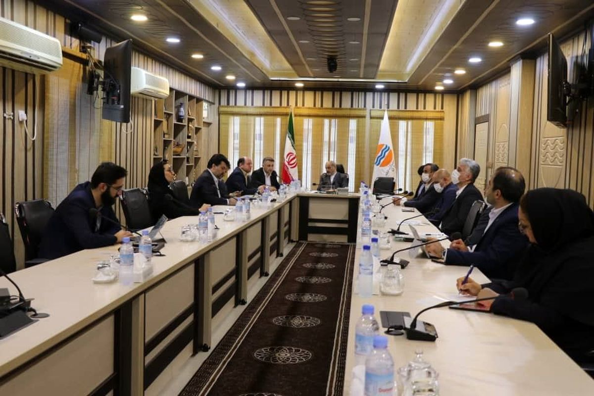 نهمین نشست شورای هماهنگی اقدامات پسا کرونا منطقه آزاد قشم برگزار شد