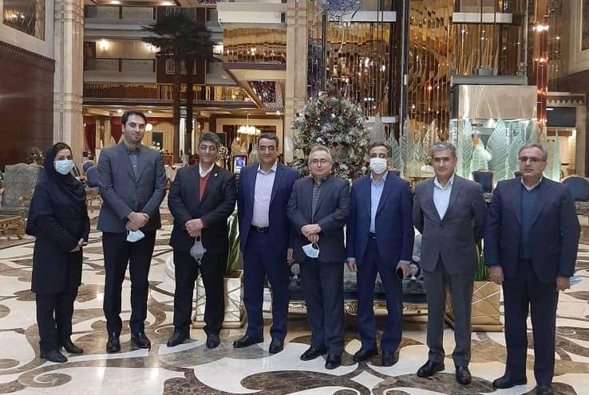 نشست بیمهای در هتل درویشی مشهد