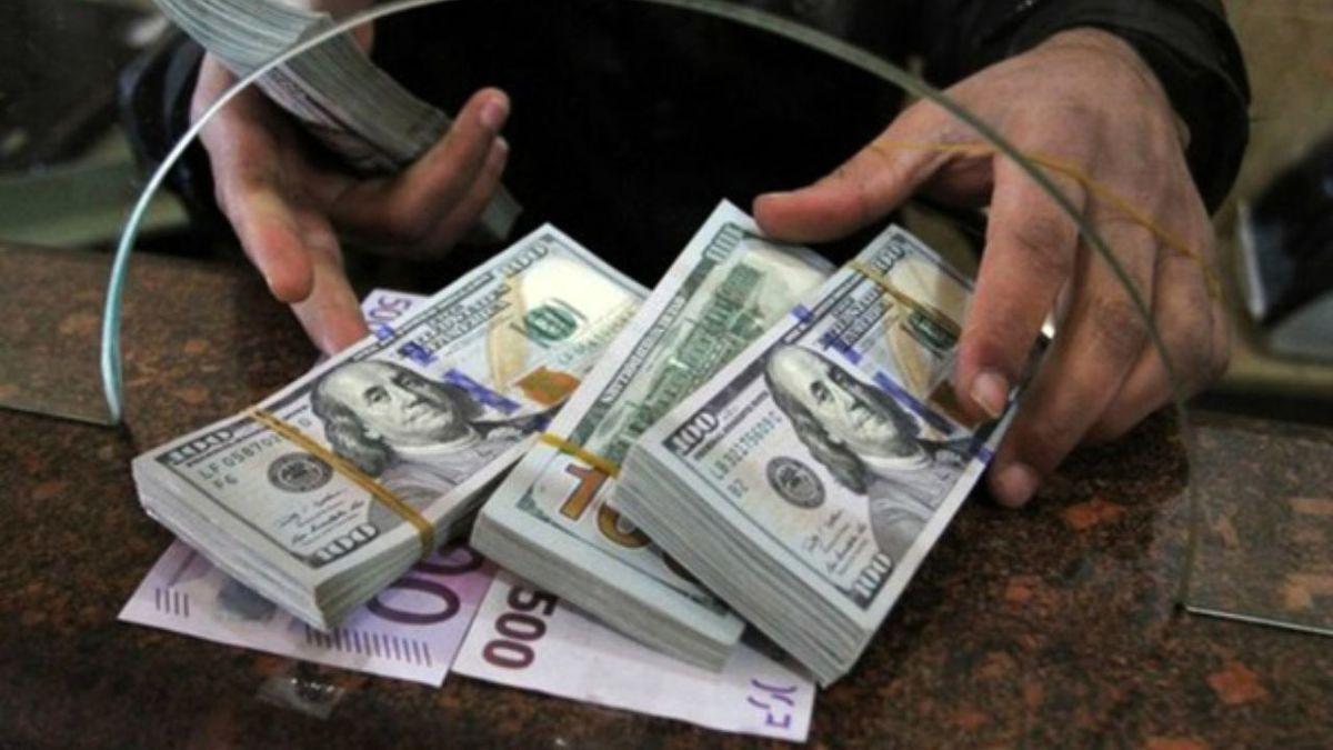 وضعیت عجیب قیمت دلار بعد از رای اعتماد مجلس به وزیران رئیسی!