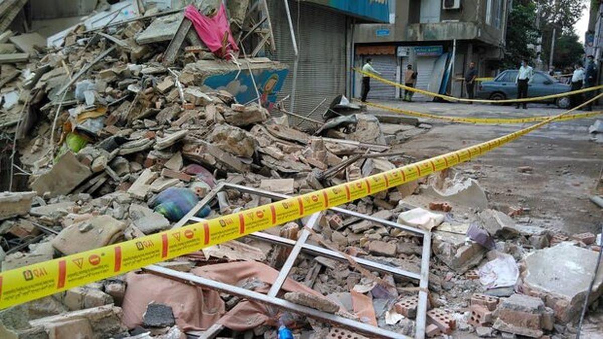 فوت ۲نفر در حادثه ریزش دیوار خیابان ابوذر