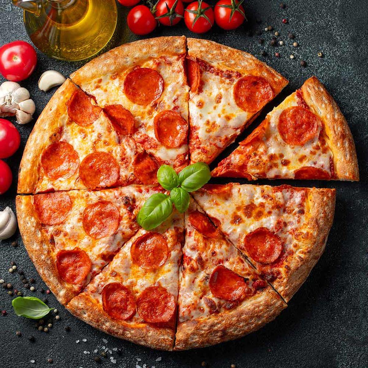 طرز تهیه دو نوع پیتزای فوق العاده بدون نیاز به فر