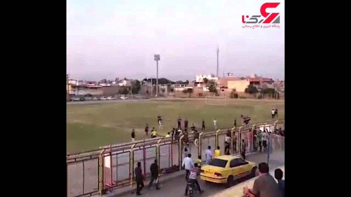 ضرب و شتم شدید داور فوتبال در اندیمشک+ فیلم
