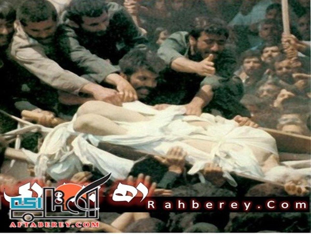 لحظه پاره شدن کفن امام خمینی + عکس