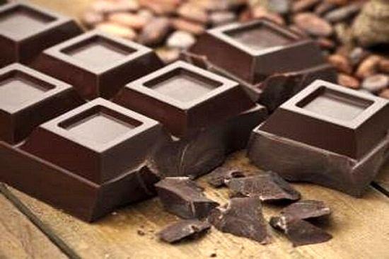 با مصرف شکلات تلخ به جنگ افسردگی بروید
