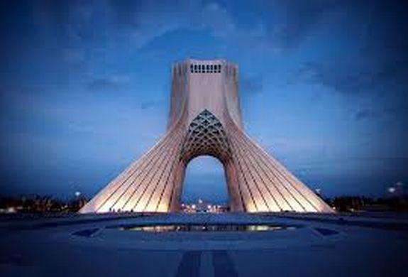 برج آزادی به رنگ پرچم لبنان درآمد + عکس
