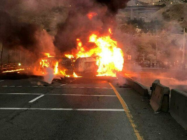 واژگونی و حریق مرگبار تانکر سوخت در جاده دماوند+ تصاویر