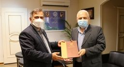 تجلیل مدیرکل تامین اجتماعی گیلان از رئیس اتاق اصناف استان