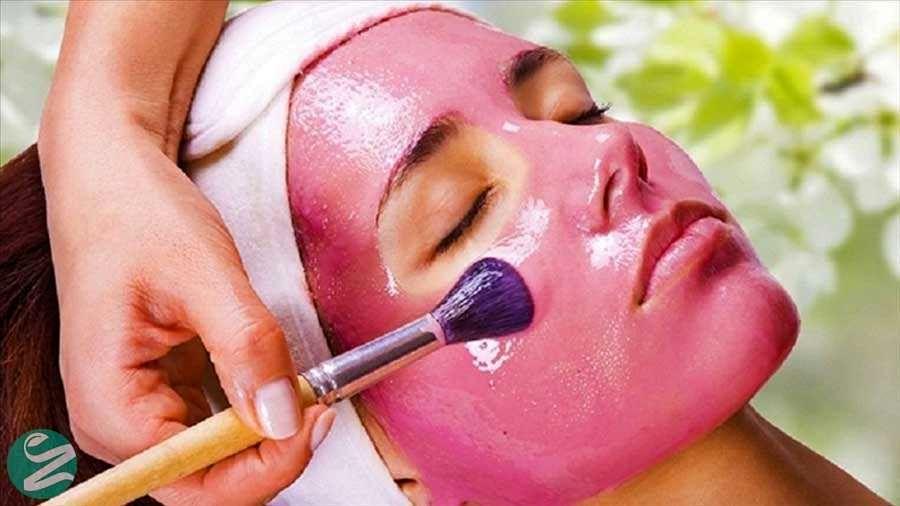 با این ماسک زرشکی پوست صورتتان را از امروز برای سرمای زمستان آماده کنید