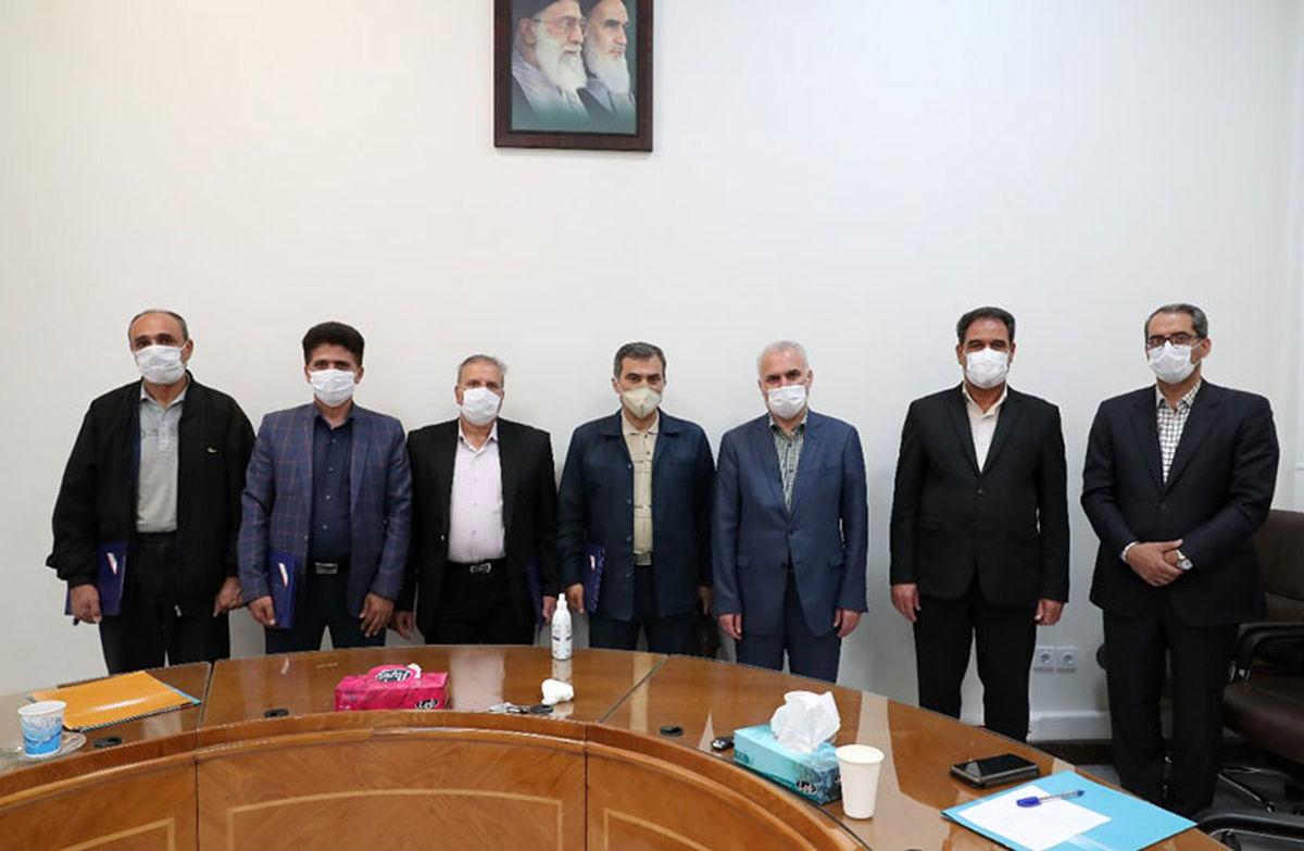 دیدار معاون منابع انسانی بانک ملی با جمعی از همکاران آزاده