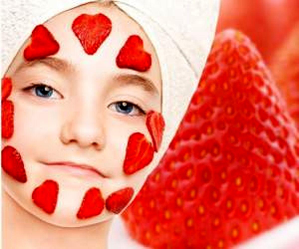 7 ماسک فوق العاده با توت فرنگی برای جوان سازی پوست + آموزش