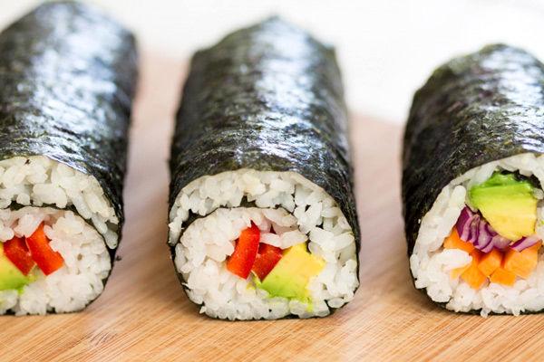آموزش و طرز تهیه سوشی در خانه به ۲ روش فوق العاده