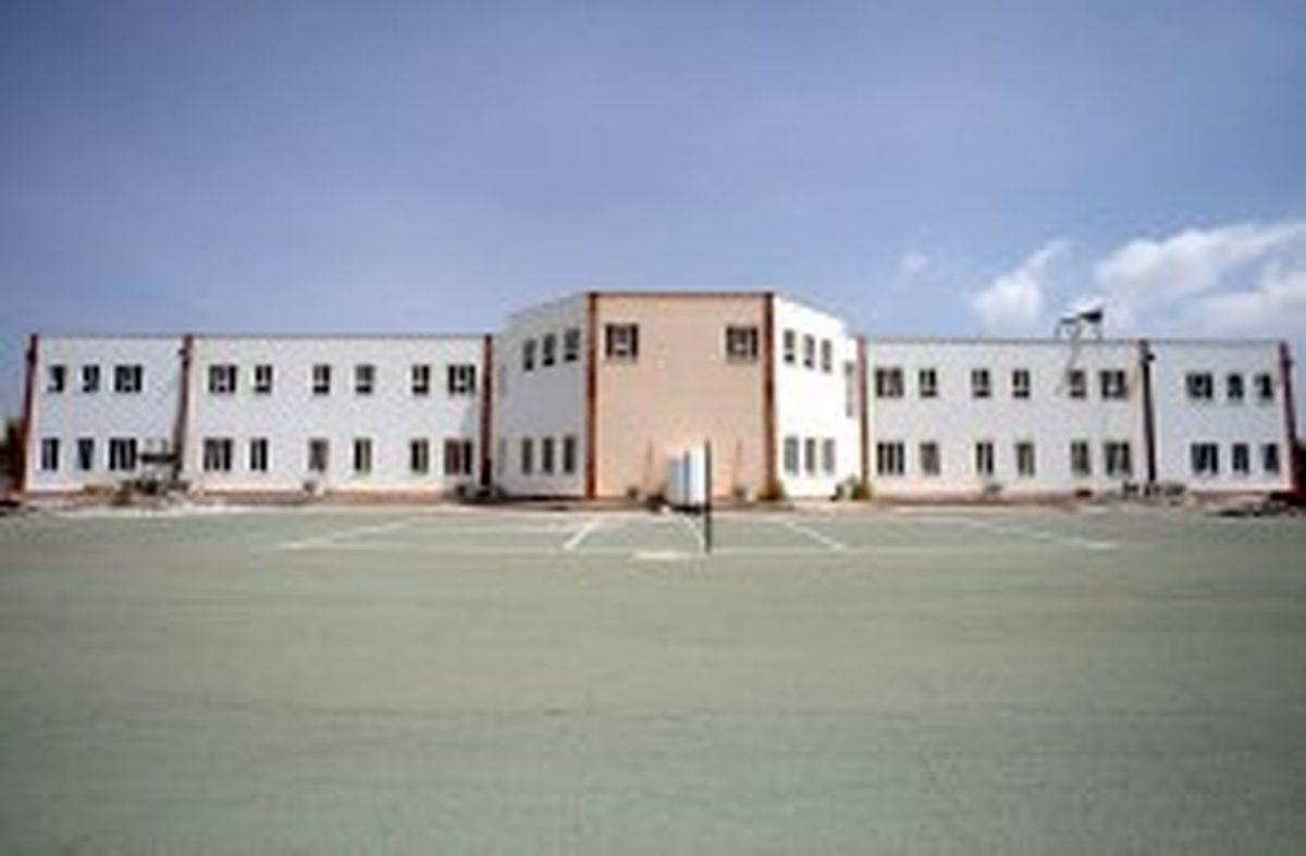 افزایش ظرفیت فضاهای آموزشی مدرسه شهید فکوری پایگاه هوایی کیش