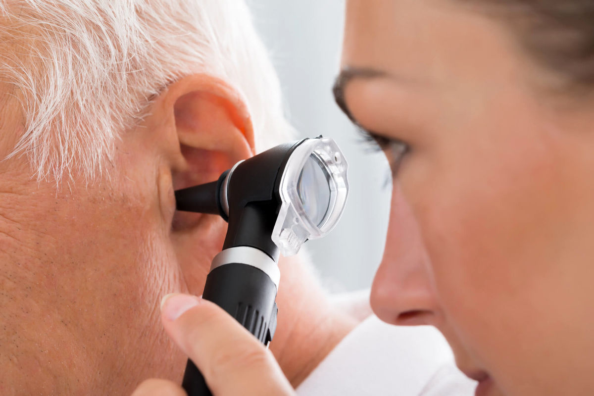 علائم عفونت گوش+ راههای درمان