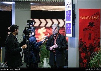 مصاحبه با محمدرضا علیا دوبلور در هفتمین روز سی و هشتمین جشنواره فیلم فجر در پردیس چارسو