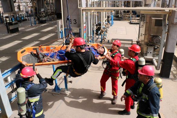رزمایش آتش سوزی، امداد و نجات در شرکت پالایش نفت بندرعباس
