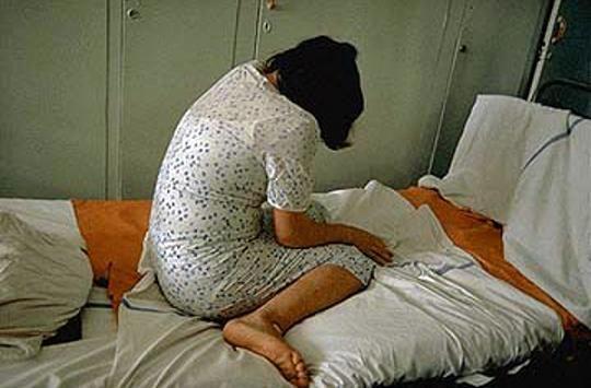 تجاوز جنسی نگهبانان بیمارستان به یک دختر ۱۹ ساله بیمار + جزئیات